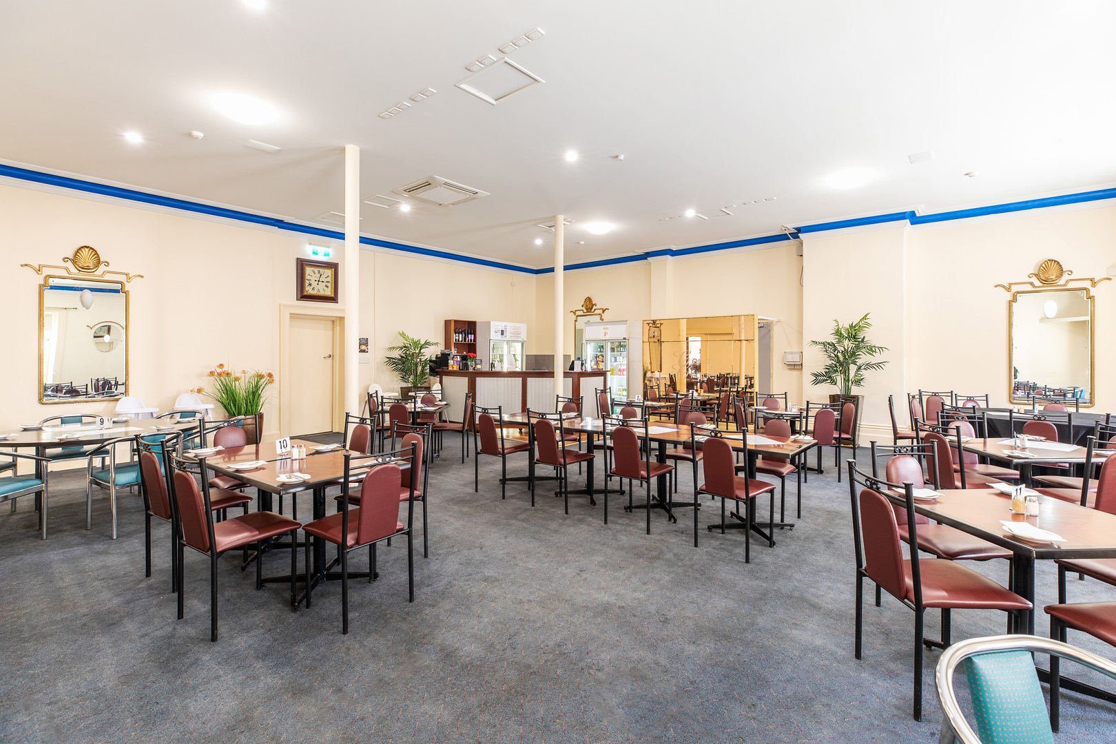 the-flinders-hotel-motel-cena-on-chapel-dining-room-function-room