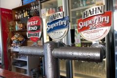 flinders-hotel-motel-beer-taps-1