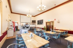 the-flinders-hotel-motel-heaven-and-health-cafe-function-room