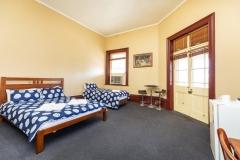 the-flinders-hotel-motel-port-augusta-hotel-room-upstairs