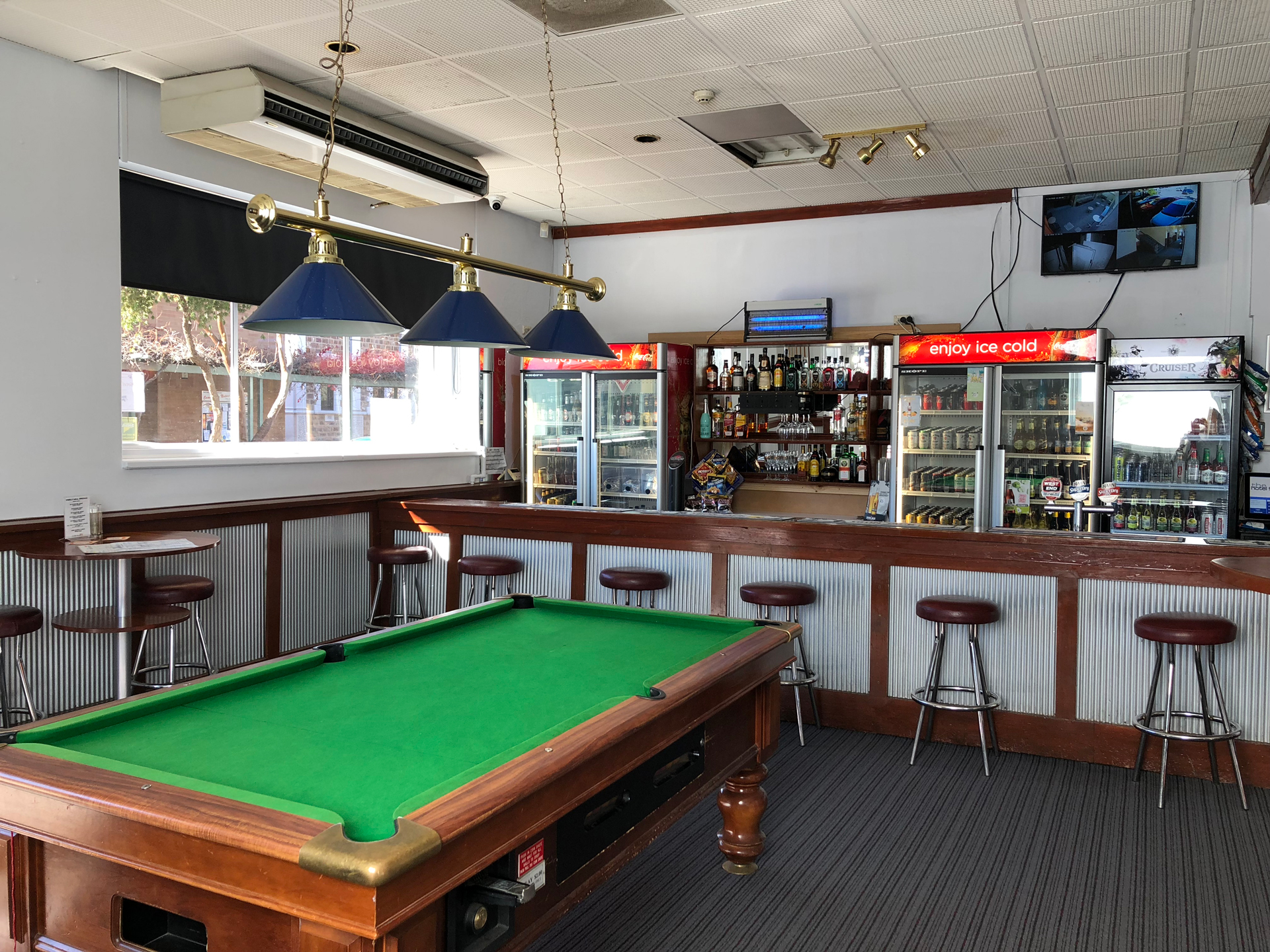 the-flinders-hotel-motel-sports-bar