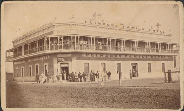 flinders-family-hotel